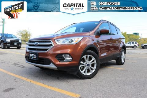 Pre-Owned 2017 Ford Escape SE 4WD SUNROOF W/ REVERSE CAM / HEATED SEATS / BLUETOOTH /